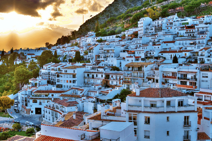 Private Walking Tour to Mijas